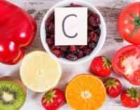 Назван главный симптом дефицита витамина С