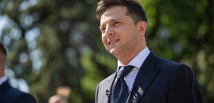 Зеленский уверяет, что остается народным президентом