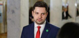 Проект закона Зеленского о КСУ: могут не поддержать даже свои