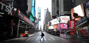 Власти Нью-Йорка готовят ужесточение санитарных мер из-за коронавируса