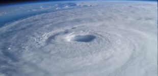 Огромная озоновая дыра над Антарктидой полностью затянулась