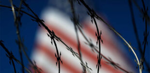 Пограничники США задержали за месяц почти 100 тыс. человек на границе с Мексикой