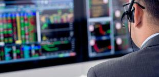На украинской бирже начали торговать акциями Tesla, Microsoft и Facebook
