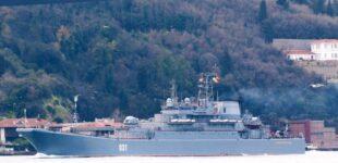 Два больших десантных корабля Северного флота РФ вошли в Черное море