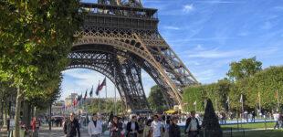 Во Франции отменяют комендантский час и ношение масок на улице