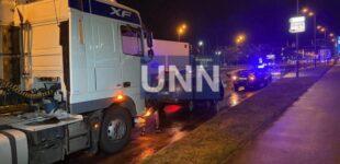 Ночная двойная авария в Киеве: грузовик влетел в легковушку