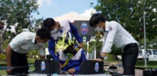 Студенты из Камбоджи построили пилотируемый дрон